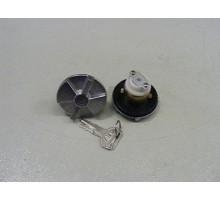 Крышка топливного бака с ключем д.34мм с ключом (HINO 300 E3/E4)