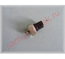 Датчик масляный в oil cooler (HINO 500 GD8/GH8/FM8)(HINO 300E3/E4)