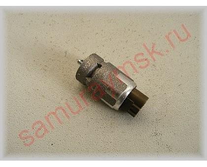 Датчик скорости  ISUZU (NKR55/NQR71) 4HG1 LT